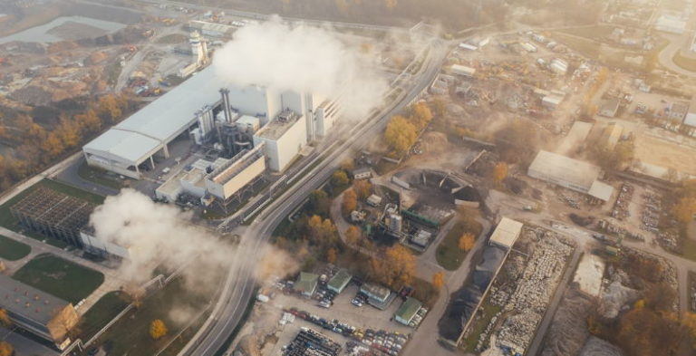 ЕС подготвя данък върху CO2 за продукти от други страни